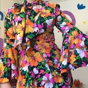 Psychedelic vibrant flowers neck bow dress 🌞